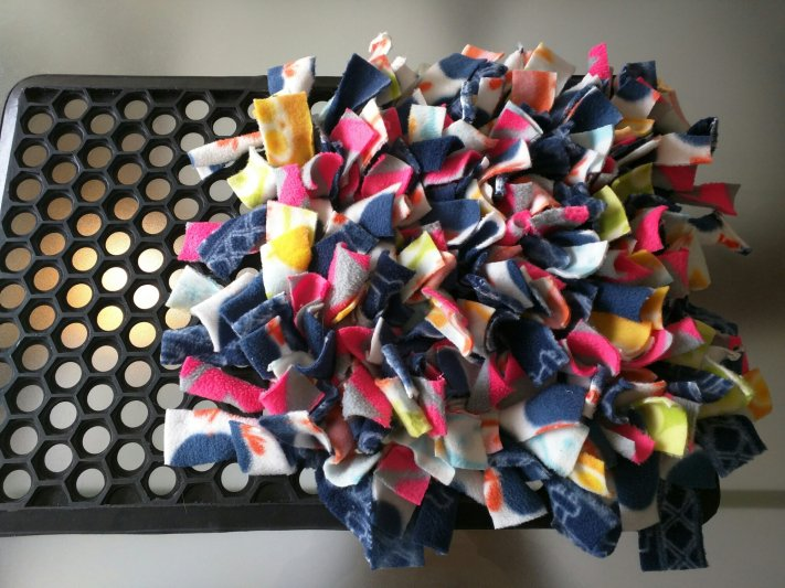 How To Make A Snuffle Mat For A Dog